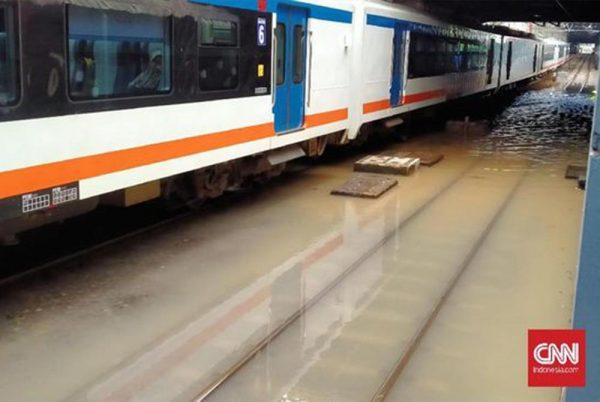 Banjir Semarang, Jalur Kereta Tawang-Alastuwa Masih Terputus